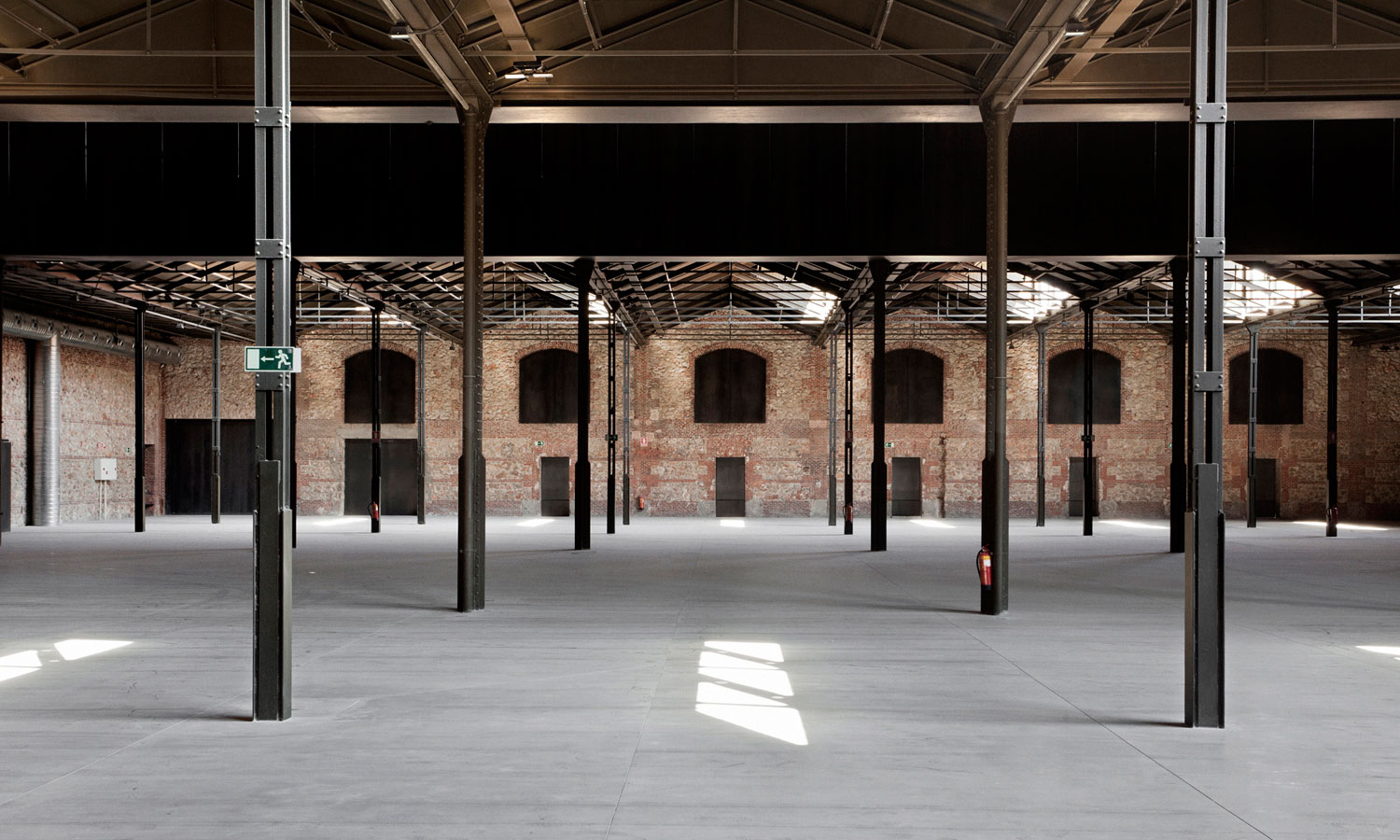 Image gallery matadero madrid for Gallery mall madrid
